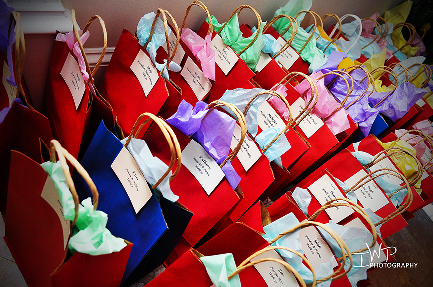 Indian Wedding Gift Bags For Guests : Gift bags for guests... Photographer- Tesh Parekh. Indian Wedding ...